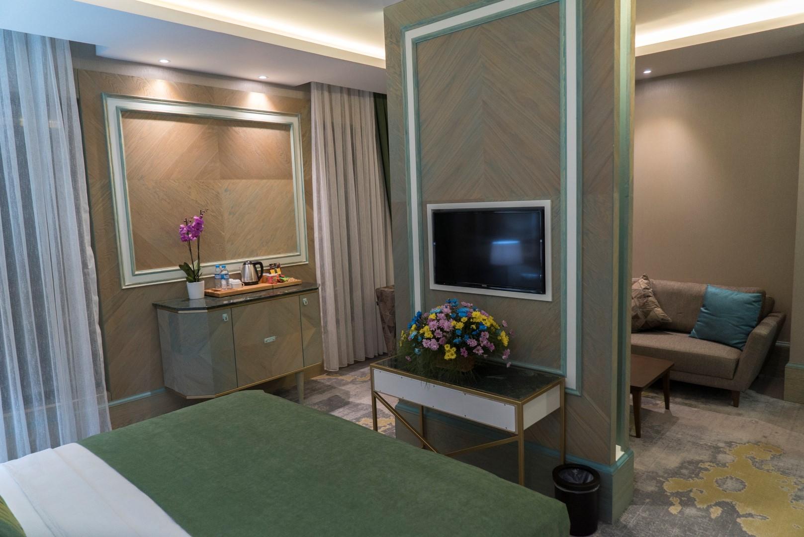 junior-suite-mirart-hotel (11)