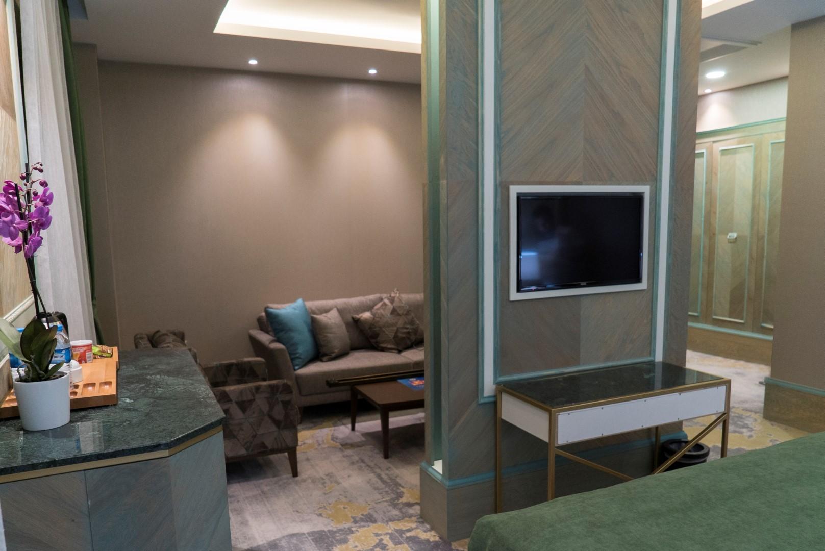 junior-suite-mirart-hotel (14)