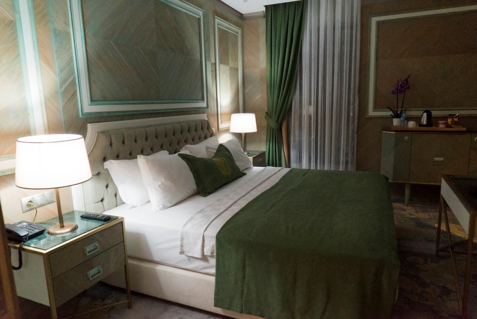 junior-suite-mirart-hotel (4)