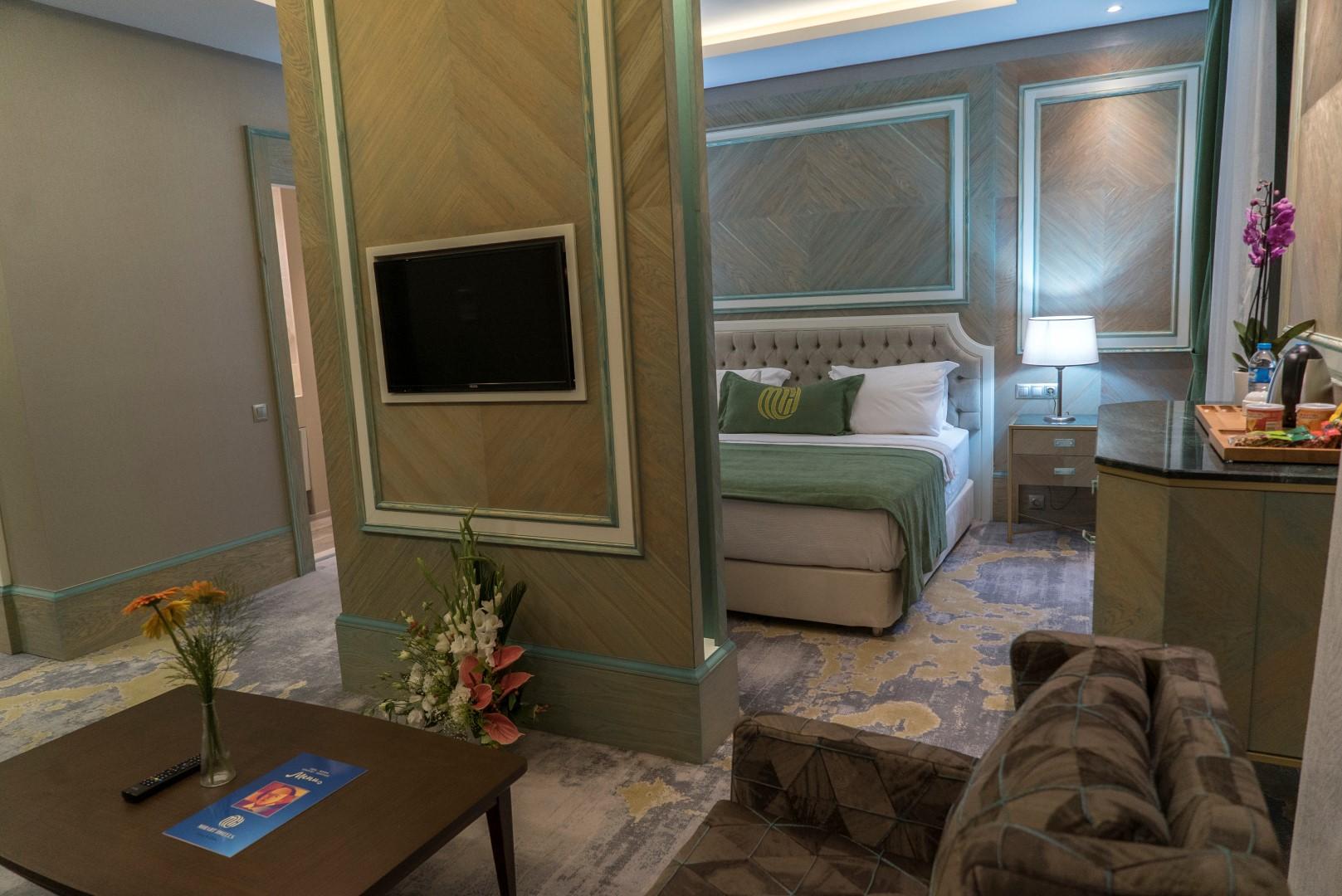 junior-suite-mirart-hotel (7)